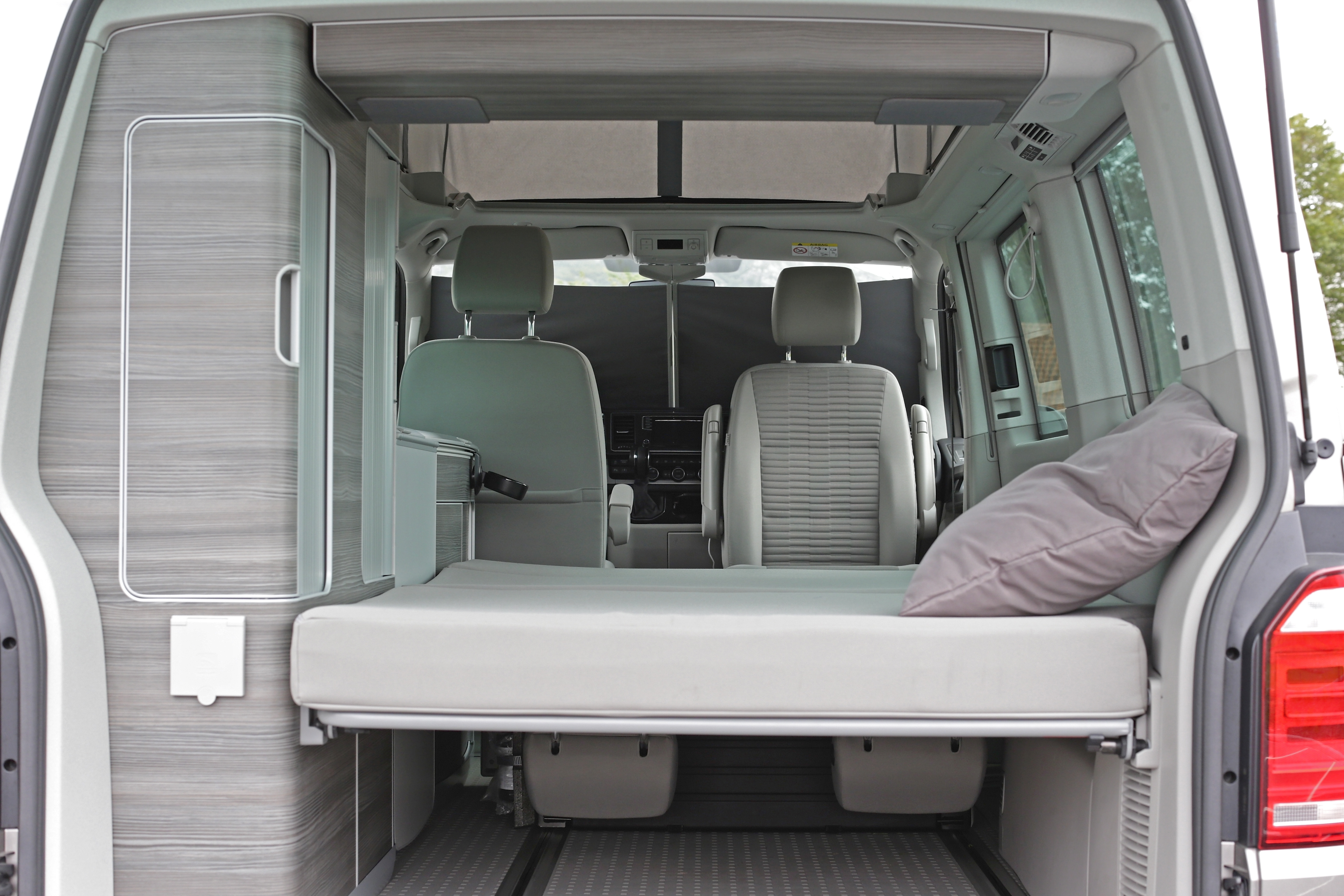 rental rent a brand new volkswagen california for your. Black Bedroom Furniture Sets. Home Design Ideas